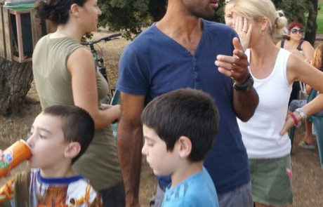 בית חדש בבני יהודה לפלאפל הנייד של משפחת ביצ'ו